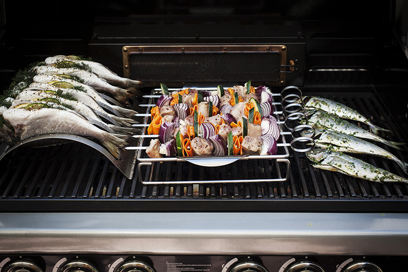 Using the BBQXL Multi Use Roaster and Kebab Rack allows you to create different fish dishes on the BBQ at the same time, not to mention a multitude of different dishes as well, such a full roasts and ribs.