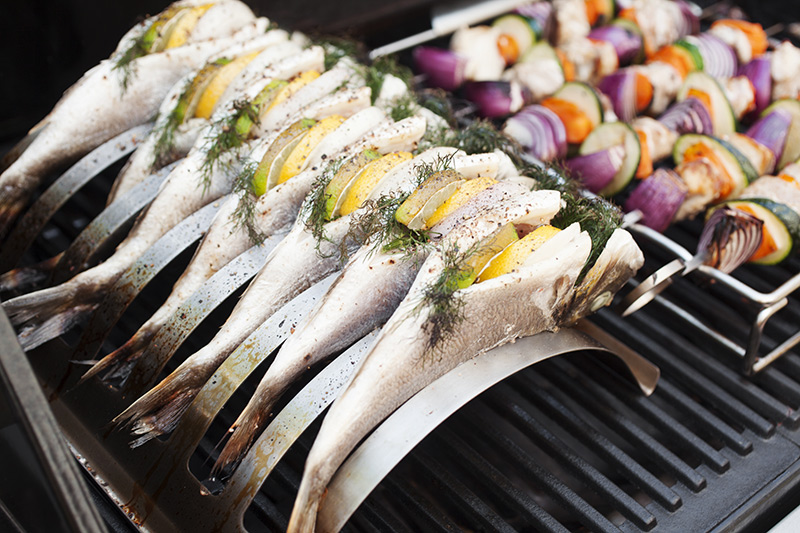 The rib rack allows the fish to cook evenly and absorb all the great barbecue flavours one hopes for from the grill. Not only that but it stops the dreaded sticking that's so typical with cooking fish on the grill.