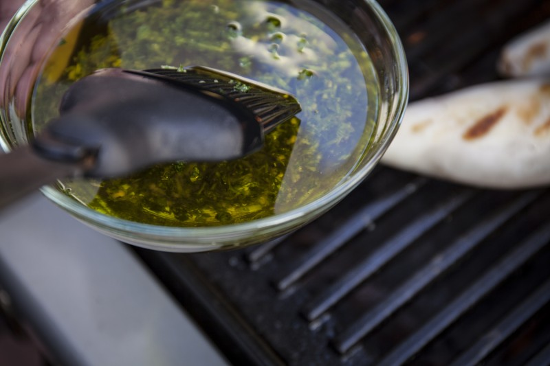 The basting sauce is simple and tasty and will create great flareups that will help season the otherwise tasteless meat. All you need is extra virgin olive oil, flat-leaf parsley, crushed garlic and sea salt. Click on the image for the BBQXL deluxe 4 pice tool set.